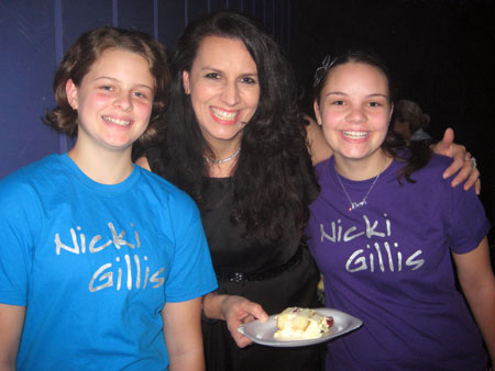 NICKI with her cake-assistants, ALANNAH & LAURA