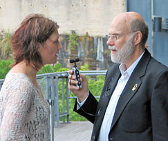 Sara Storer talking to Nick Erby - photo by Bob Howe